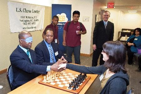 GM Maurice Ashley plays a blindfold blitz game